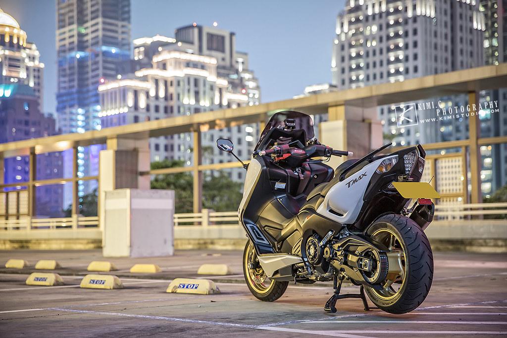 2016 T-MAX 530-052