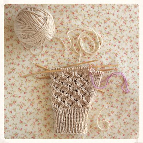 Mitt knit with walnut-dyed Chickadee Bar