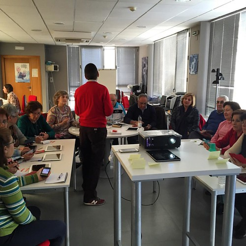 Increíble grupo buscando su empoderamiento con ayuda de tecnología en Herrera #SierraSur #Sevilla