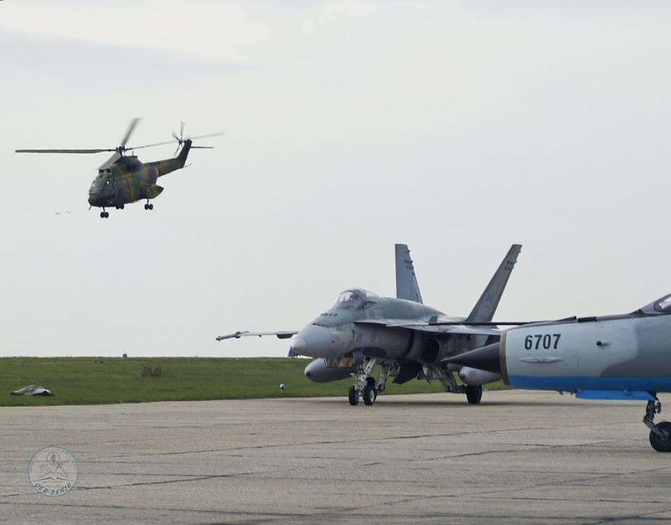 Aspect de la exercițiul bilateral româno-canadian se află în plină desfășurare la Baza militară de la Mihail Kogălnicean (18)