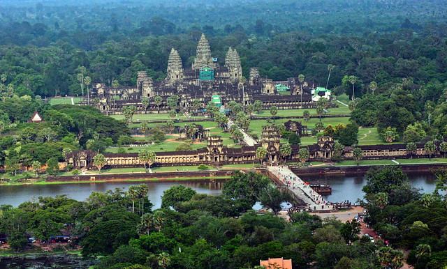 Angkor Wat from a, Canon EOS DIGITAL REBEL, Canon 70.0-300.0 mm