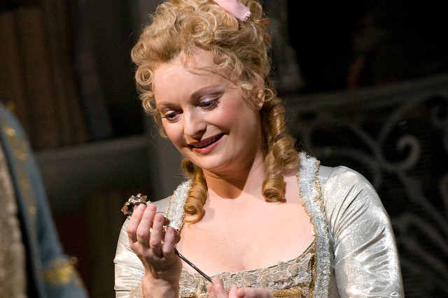 Lucy Crowe in Der Rosenkavalier © Mike Hoban/ROH 2012
