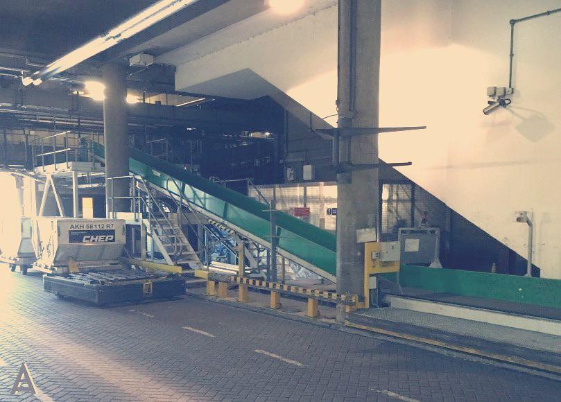 airport baggage handling