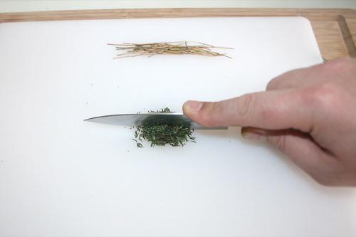 19 - Thymian zerkleinern / Mince thyme