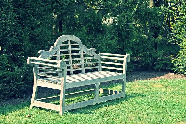 Ladew Gardens ~ stylish bench - HBM!