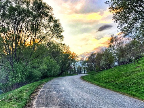 cameraphone road trees sky sun wisconsin landscape evening spring hill hdr goldenhour onalaska iphone project366 onalaskawi iphoneography iphonehdr iphone6 iphone366 snapseed
