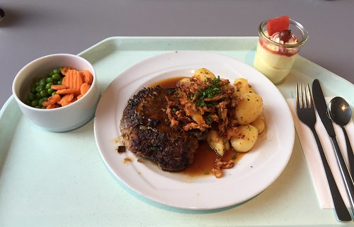 Meat ball with fried onions, gravy & roast potatoes / Fleischpflanzerl mit Röstzwiebeln, Bratensauce & Bratkartoffeln