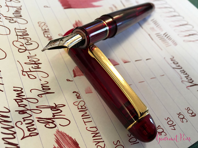 Review Platinum #3776 Century Bourgogne Fountain Pen - Soft-Fine @PenChalet @CarolLuxury (4)
