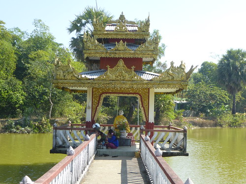 Birmanie-Yangon-Twante-Pagode des serpents (12)