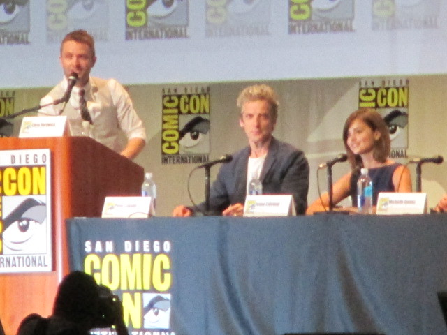 Chris Hardwick talking with Peter Capaldi and Jenna Coleman by Peter Lee