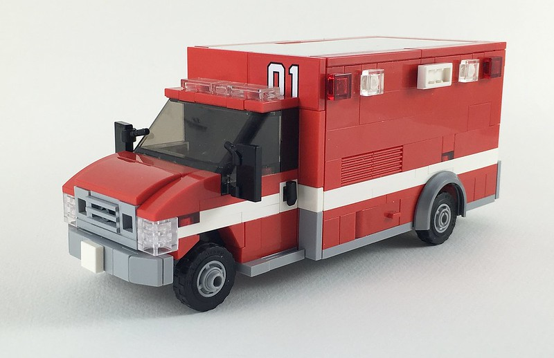 Moc ford e 450 us ambulance lego town eurobricks forums - Lego ambulance ...