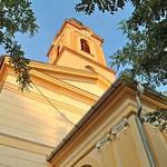 Die auf Initiative und unter der Leitung von Peter Krier 2007-2008 renovierte Billeder Kirche in der Abendsonne im August 2015