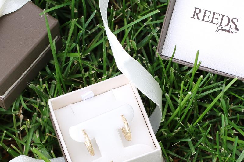 Reeds-Jewelers-gold-hoop-earrings-2