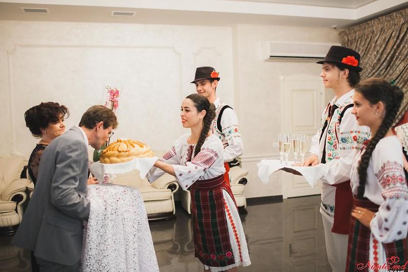 Joc Moldovenesc! Dansatori pentru orice Eveniment > Foto din galeria `Pozele noastre`
