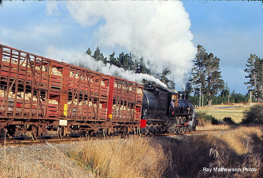 Kingston Flyer near Lumsden April1974