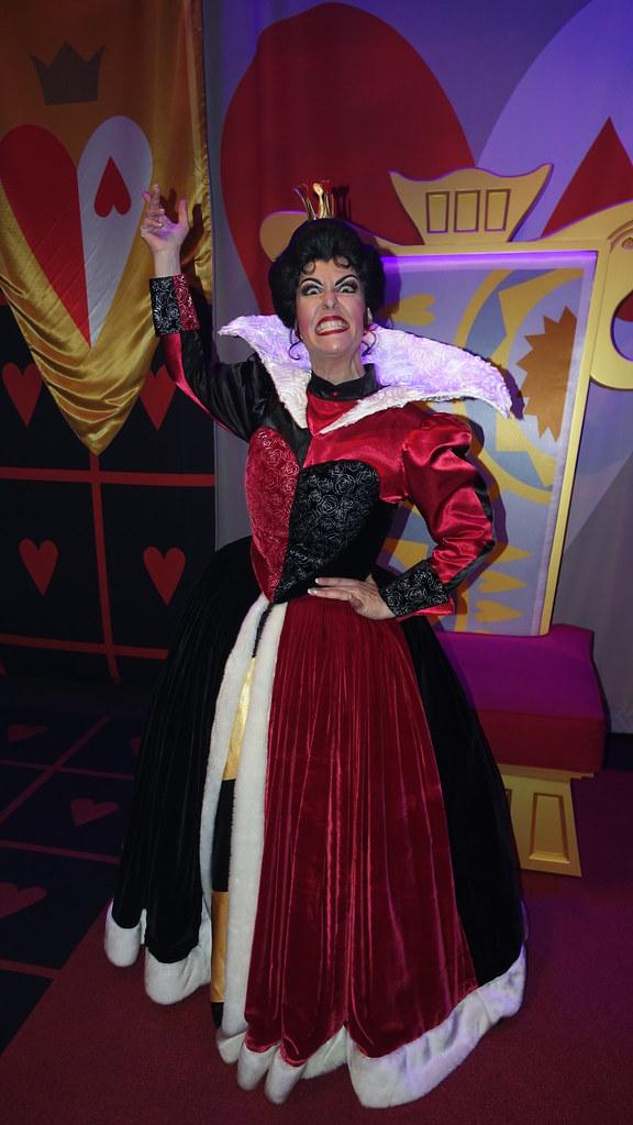 Queen of Hearts at Club Villain at Disney's Hollywood Studios in Disney World (224)