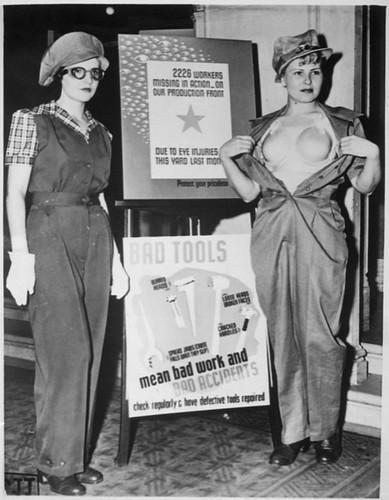 mujeres presentando el Saf-t-bra
