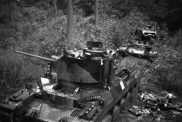 """Matilda II carri armati con i loro nomi, """"Glanton"""" e di """"Gloucester"""""""