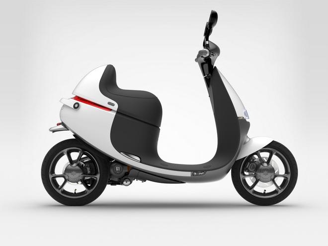 Gogoro SmartSeat智慧摩力座造型完美圓弧讓車主越騎越時尚