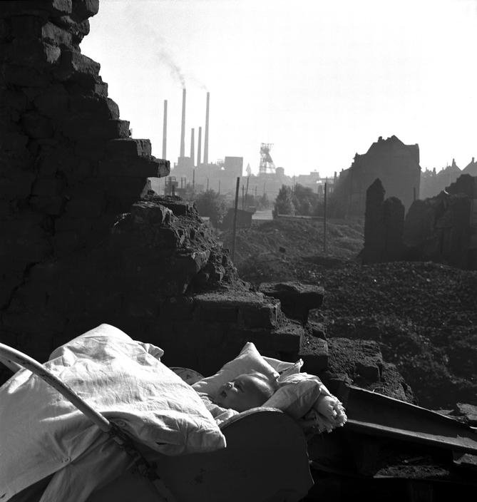 大衛·西蒙 David Seymour – 以小孩為中心的戰地攝影師