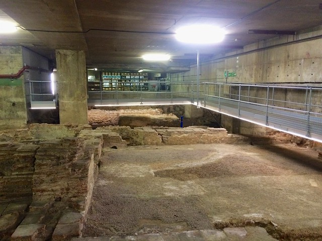 Walkways over the Billingsgate Roman House & Baths