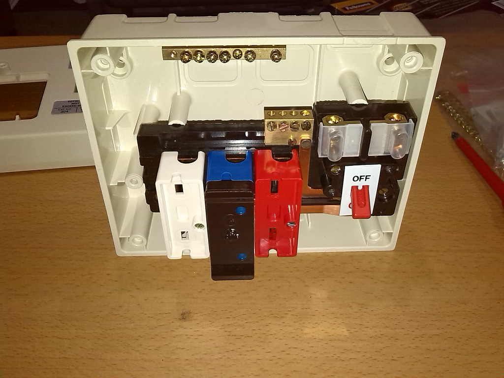 by 8184496 wylex traditional rewireable fusebox  | by 8184496
