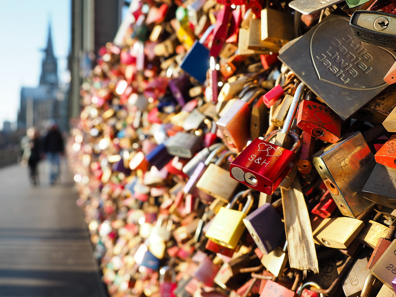 Love locks on the Hohenzollernbrücke railway bridge in Cologne
