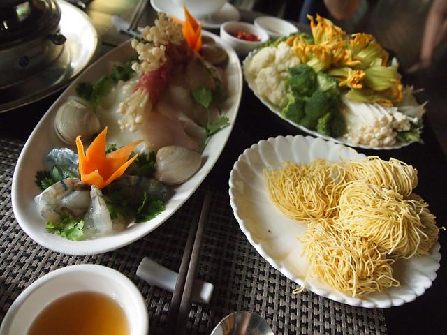 P6270013 Dong Restaurant vietnam ベトナム 花鍋 ドンレストラン