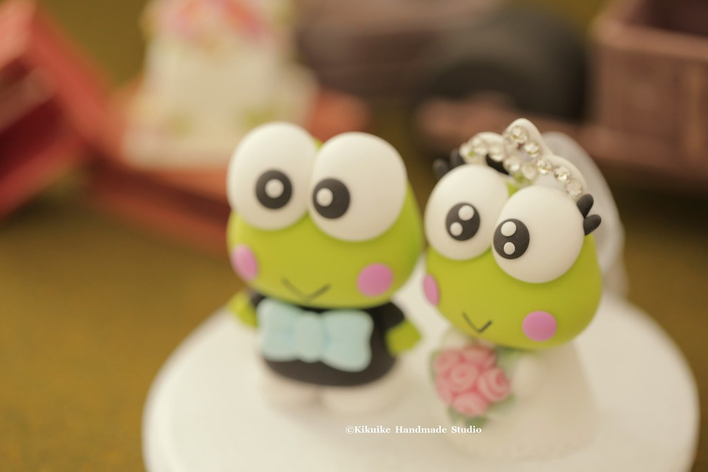 Keroppi wedding cake topper - a photo on Flickriver