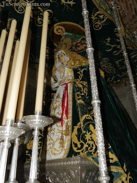 Saya bordada de la Virgen de la Esperanza