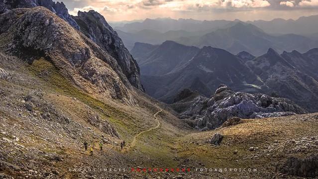 Parte alta de la canal del Perro. Llegando al Collado del Burro, macizo occidental de Picos de Europa.
