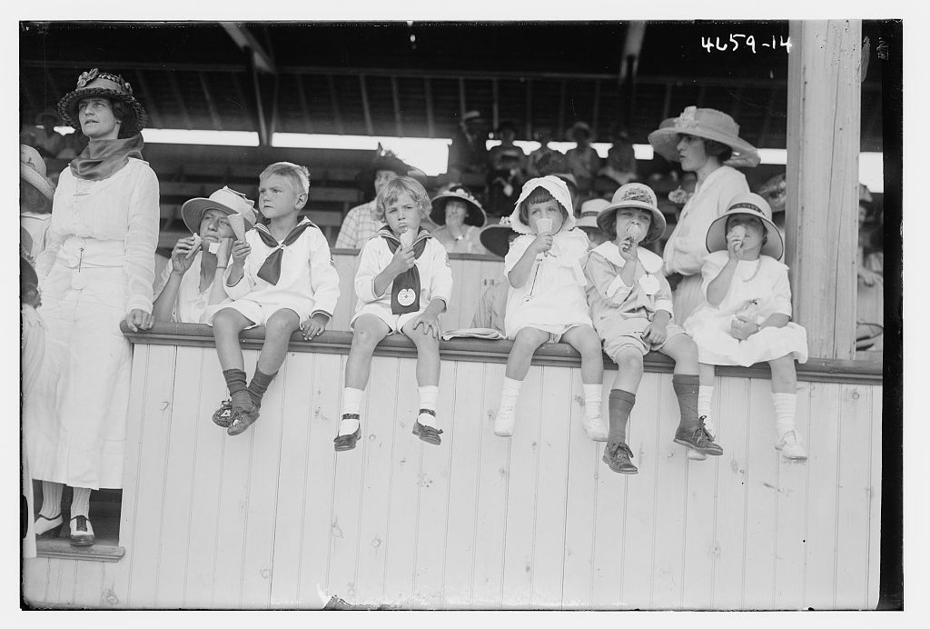 [Unidentified children & women] (LOC)