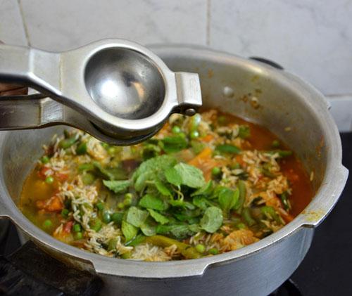 cooker biryani-17