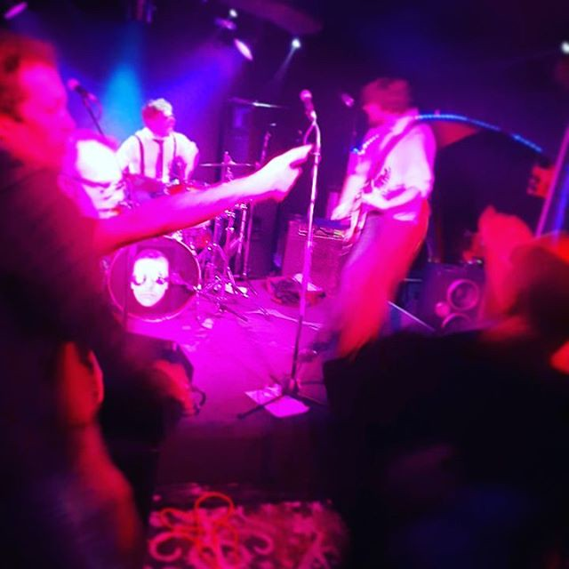 Nosebleed! MOTORHEAD! #motorhead #nosebleed  #scaryclown #voodoolounge  #mamalizs  #punkrock