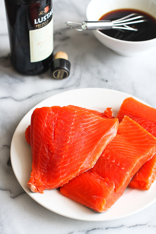 Sherry Glazed Salmon…This easy salmon recipe is easy enough for a weekday meal, but impressive enough for entertaining! 201 calories and 1 Weight Watchers Freestyle SP