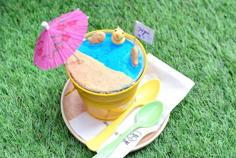 曼谷甜點 Jaiyen Cafe,冰淇淋黃色小鴨泰療癒