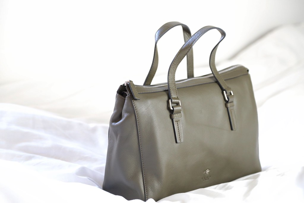 ilexlondon, krystelcouture, fashionblog, designerhandbag,