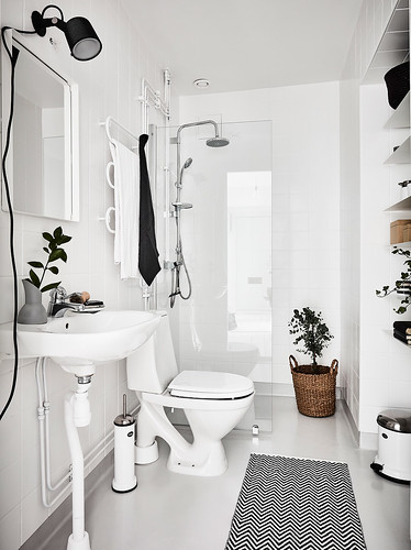 14-decoracion-baño-black-and-white