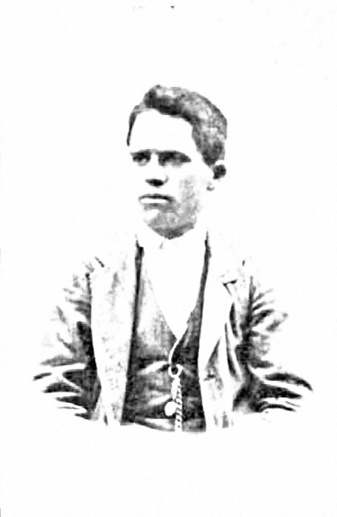 julian collado foto. novio de alejandra olivas 1912