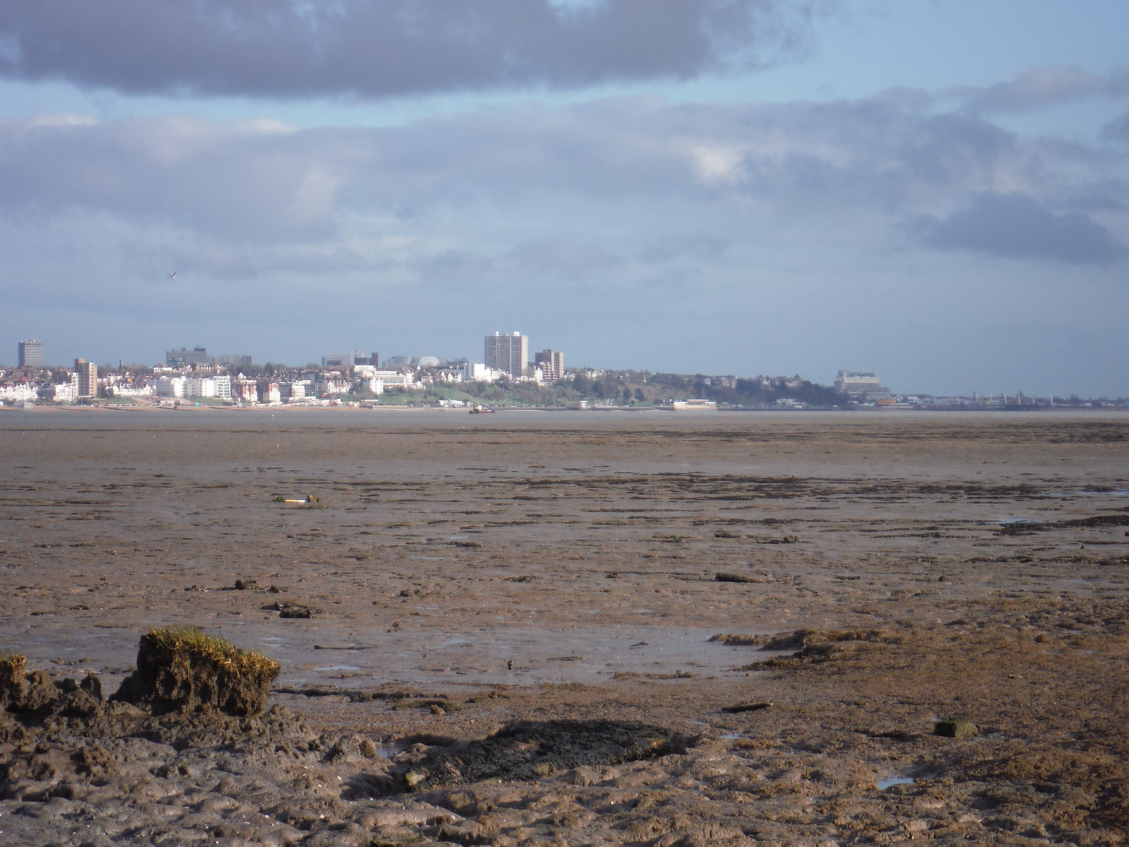 Southend-on-Sea from Canvey Point SWC Walk 258 Benfleet Circular (via Canvey Island)