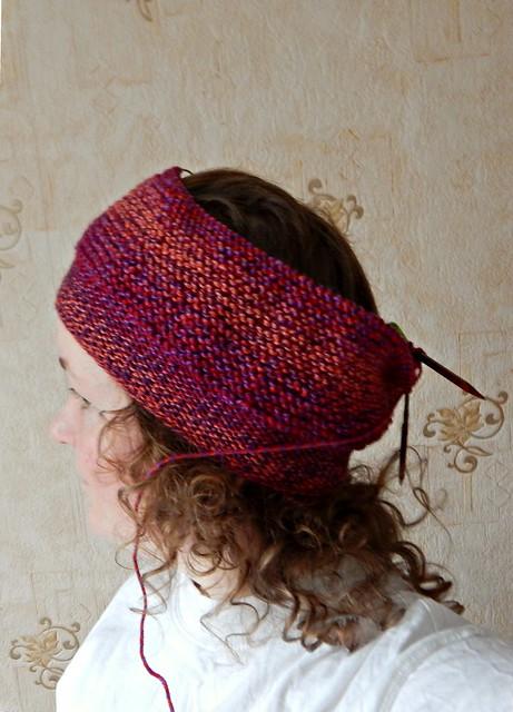 селфи в недовязанной шапке | rikke hat in progress, self-portrait | Хорошо.Громко.