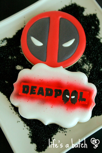 Deadpool Valentine cookies.