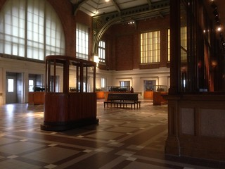 Schaerbeek station hall