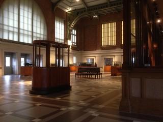 Schaerbeek station hall