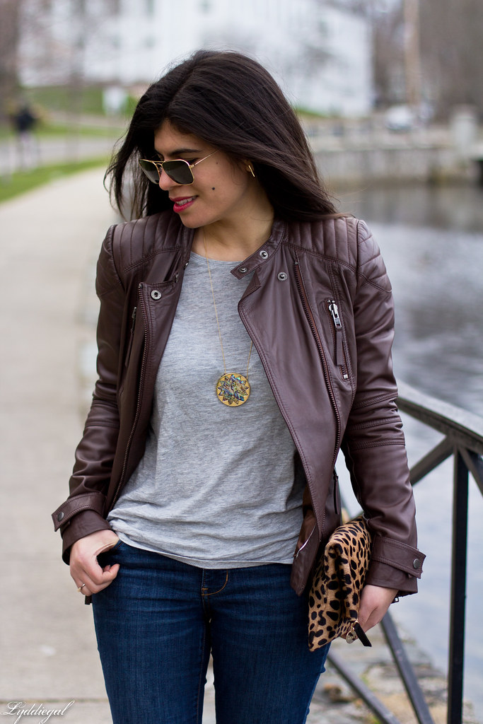 grey tee, brown leather jacket, leopard clutch-6.jpg
