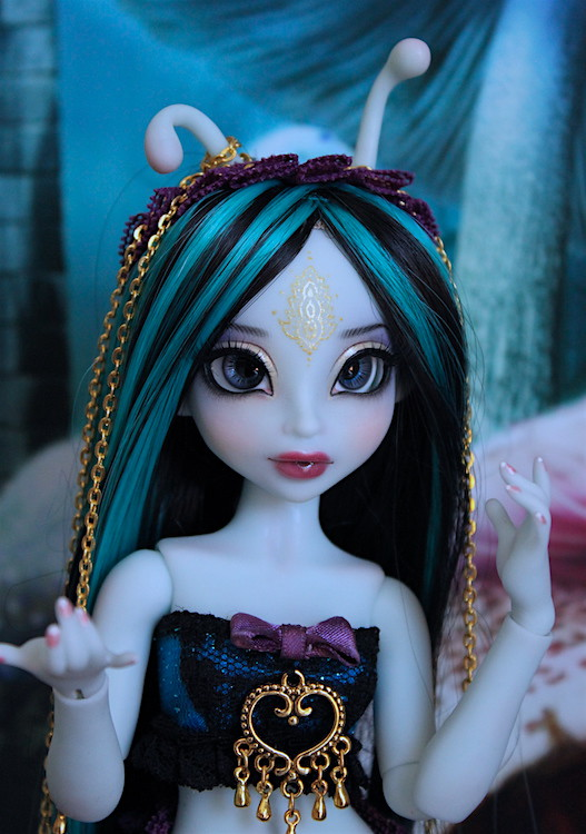 My blue Caterpillar (Aria Mystic Dolls)  25910547645_c227f1b792_b