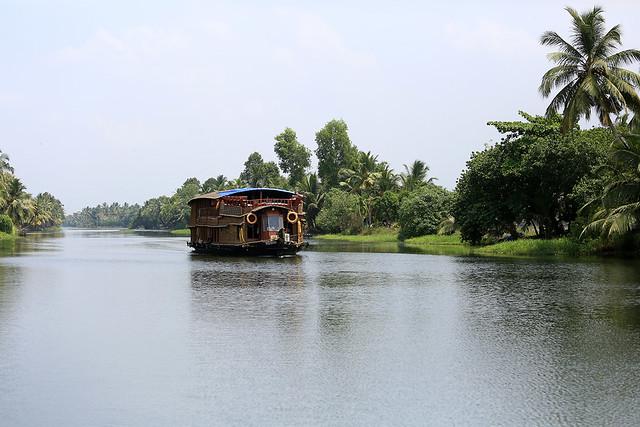 1604India-Boating11