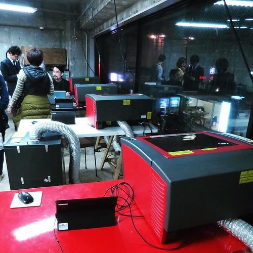 レーザーカッターやデジタル系は二階に。 #makersbase