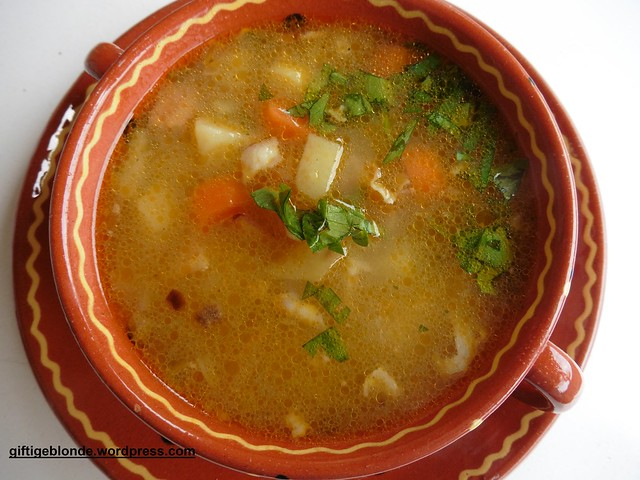 Erdäpfel-Speck Suppe mit roter Currypaste