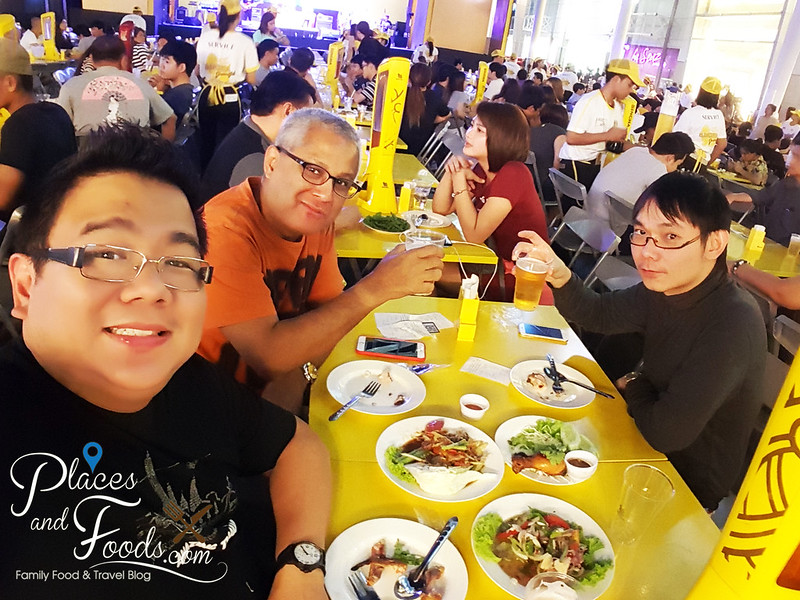 singha beer garden central world singha beer garden wefie
